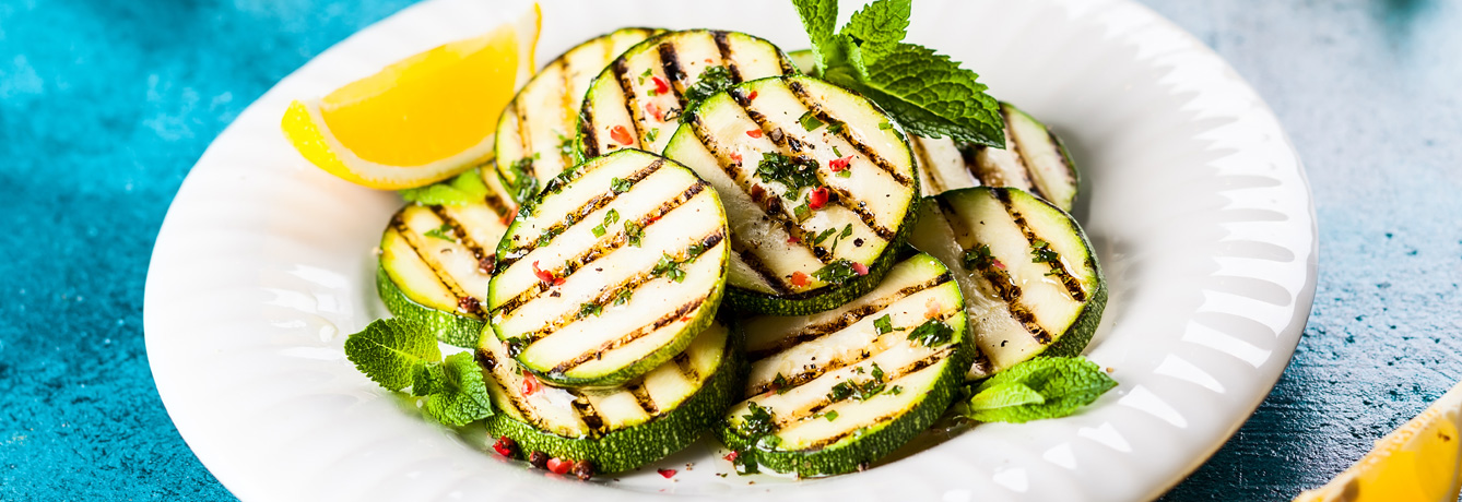 25_Delicious_ways_to_lighten_up_your_summer_grilling-1338x460